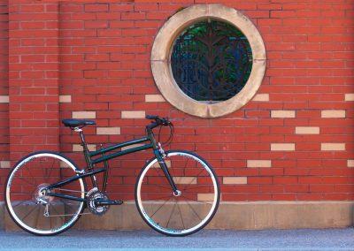 fit-against-brick-wall-round-window-sm