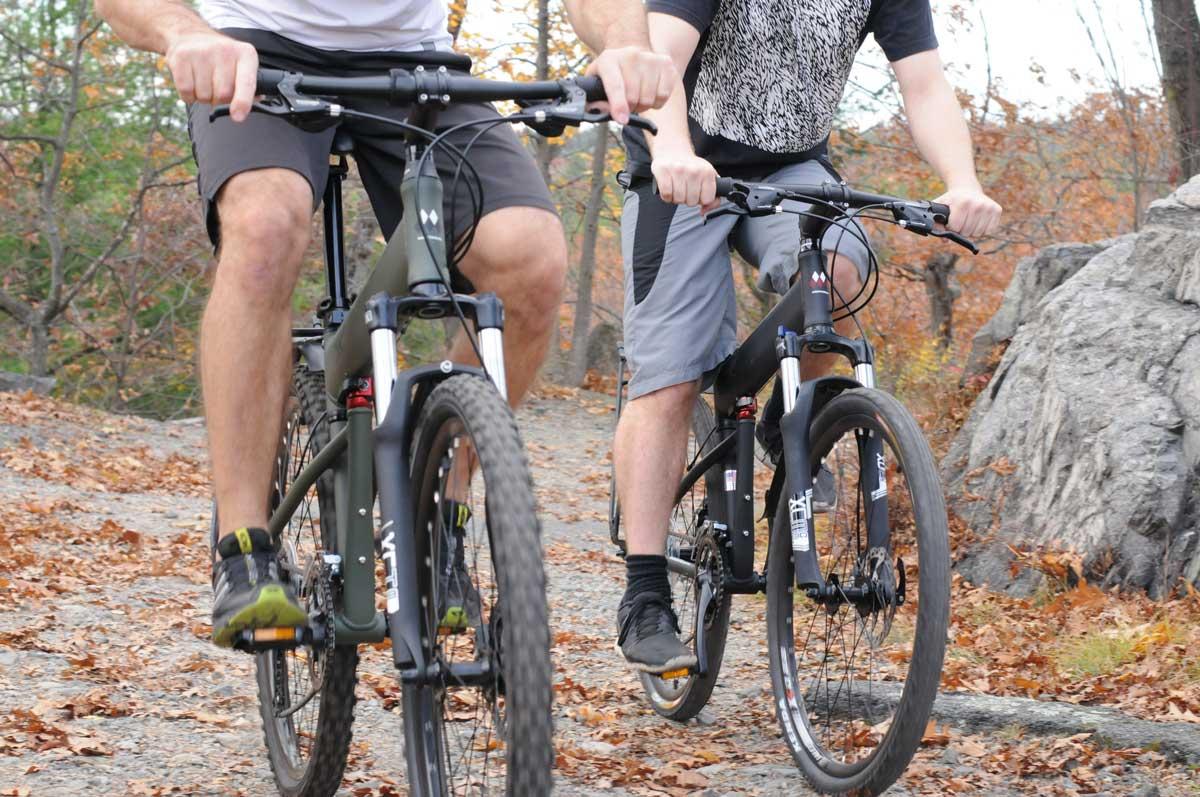 Para-and-Para-Pro-closeup-riding